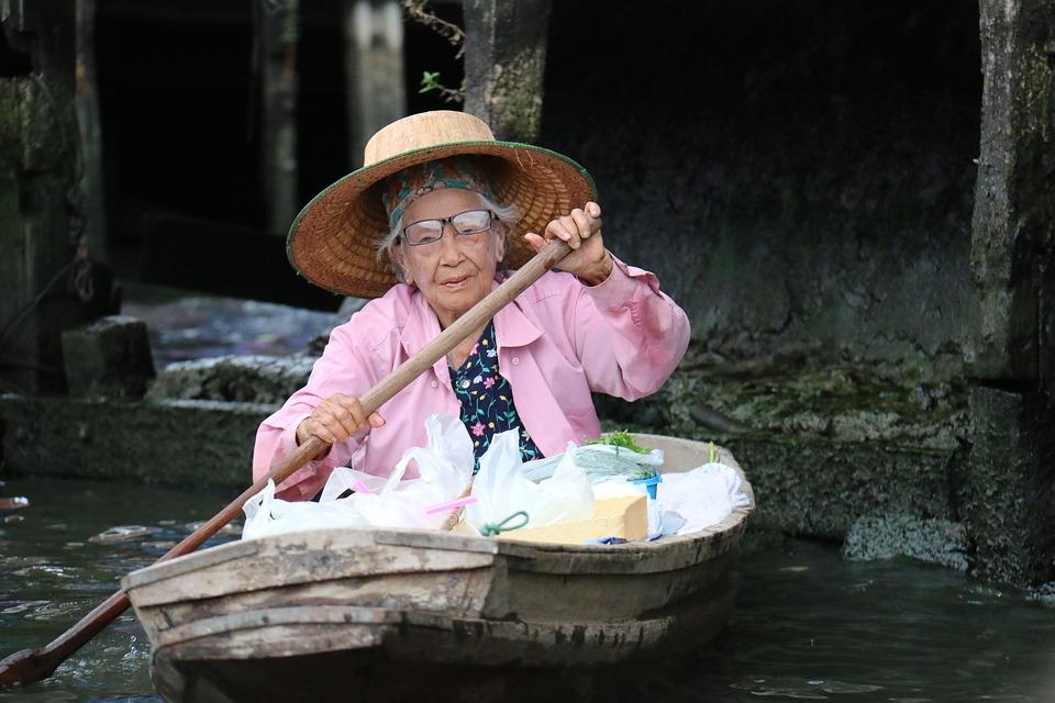 Les femmes âgées 02Dg2