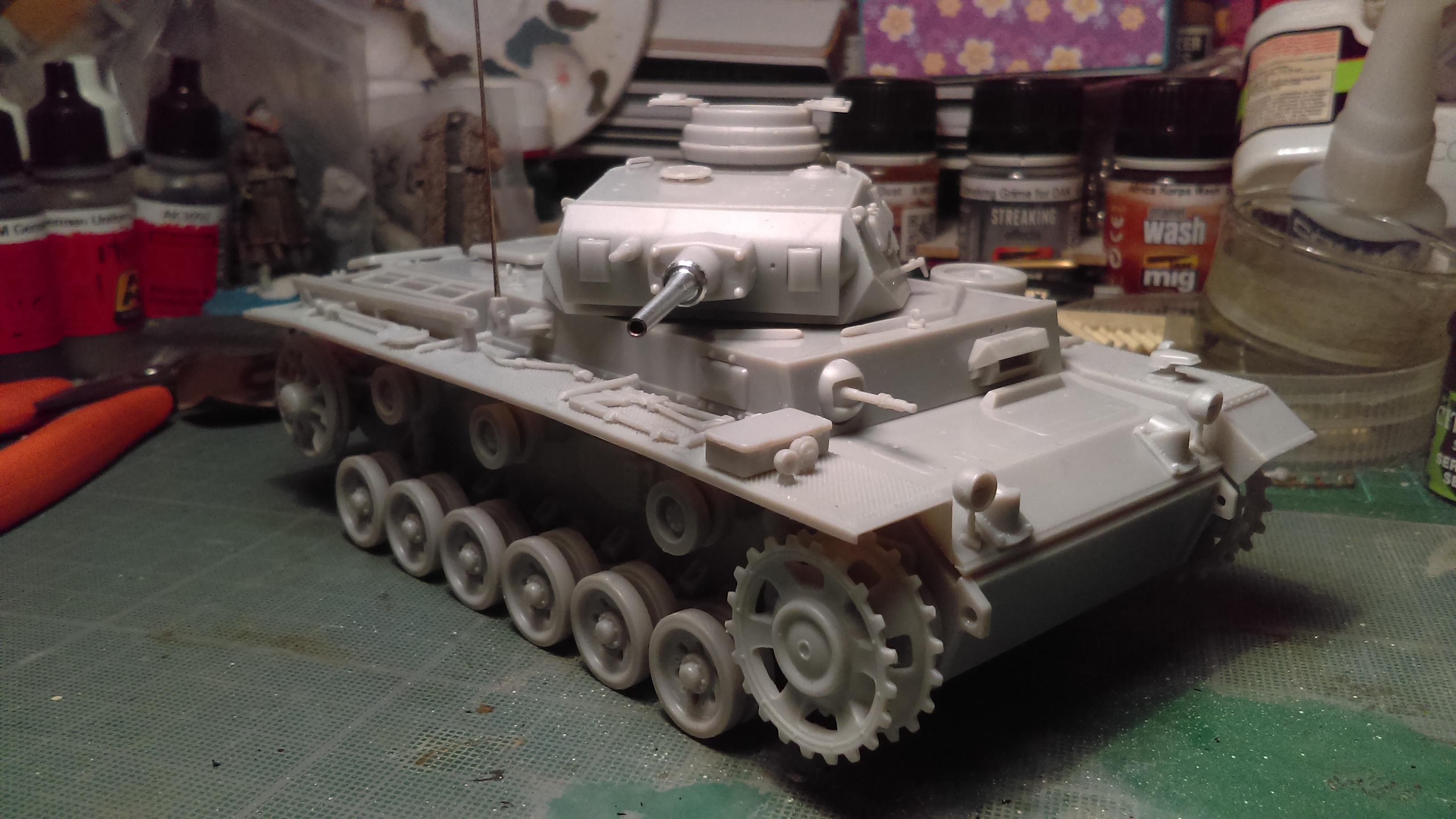 PANZER III J 5 cm KURTZ D.A.K 1/35 REVELL 0Zm2D