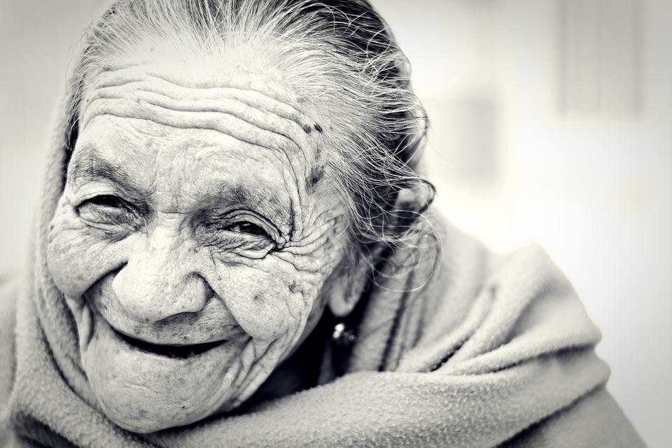 Les femmes âgées 1x5Ne