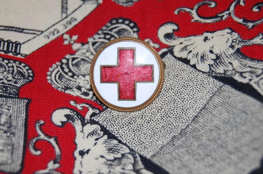 insigne croix rouge  1xnPo