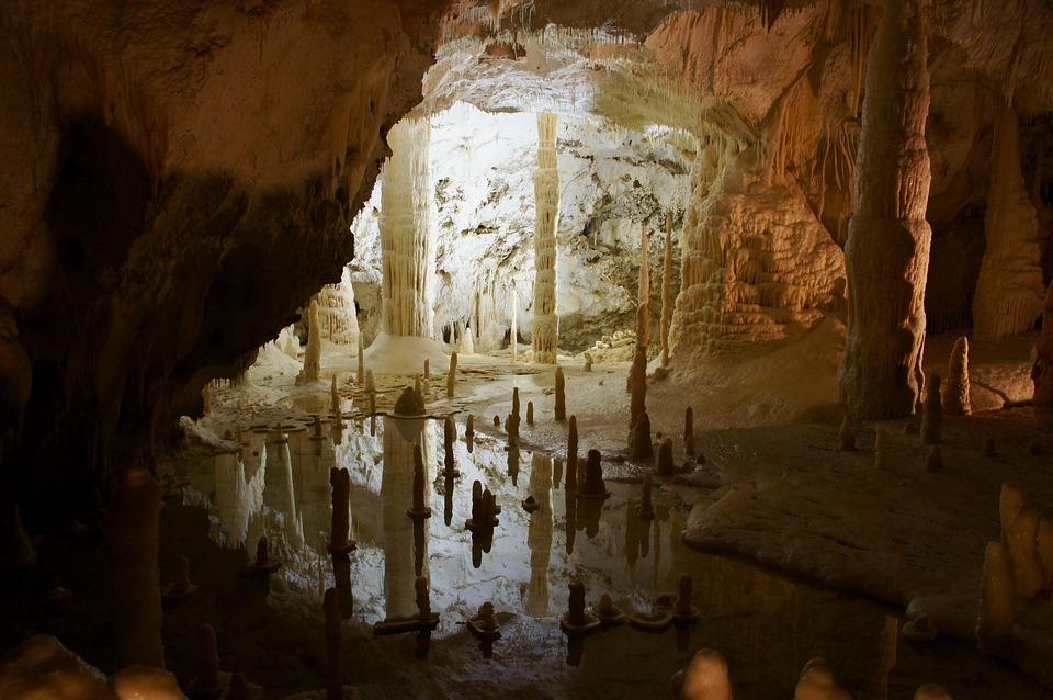 Les grottes  2pgKr