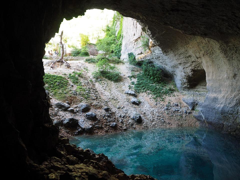 Les grottes  4N8GL