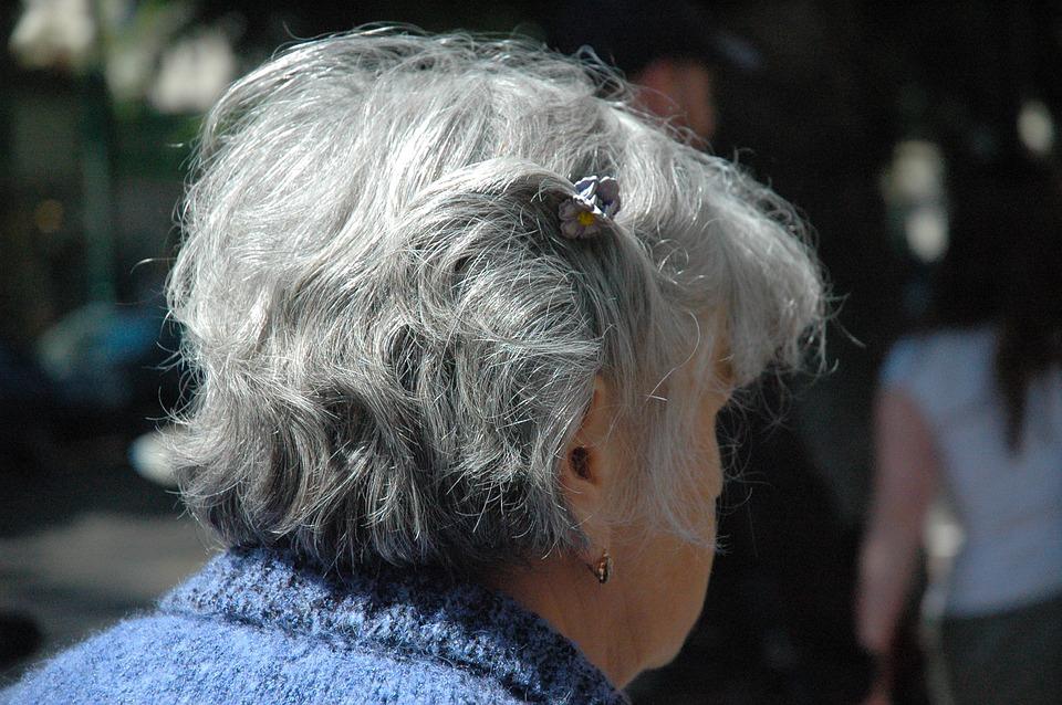 Les femmes âgées 5gboy