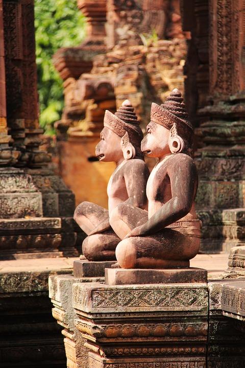 Statues 5gpWd