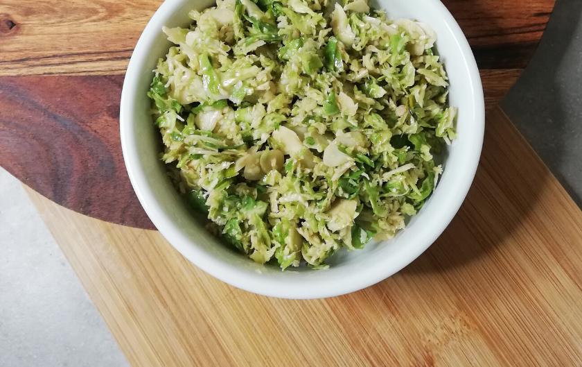 Salade de choux de Bruxelles vegan sans gluten