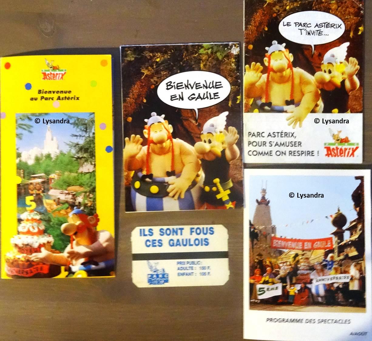 Dépliants, plans, tickets du Parc Astérix 7YZGN