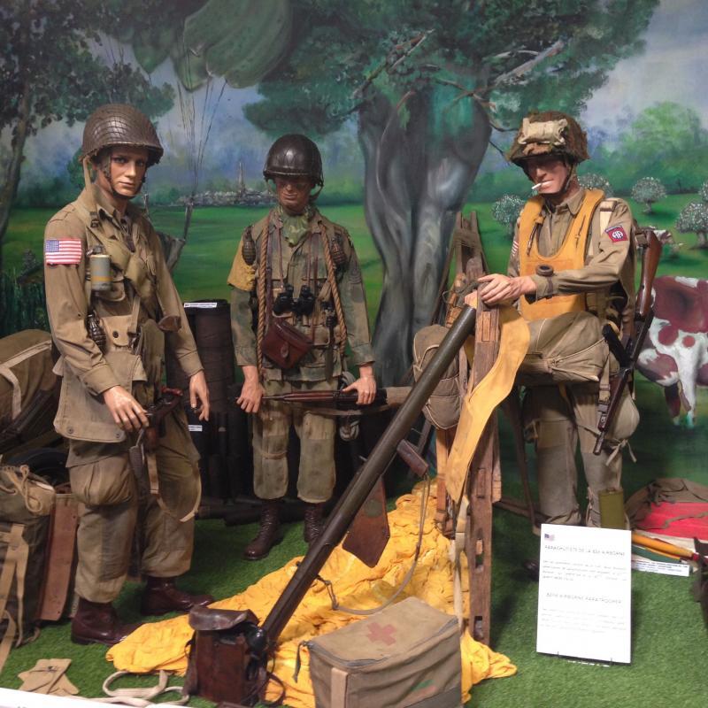 Parachutistes / commando / Jedburghs / BCRA / S.O.E. / O.S.S. / S.A.S 2j40K