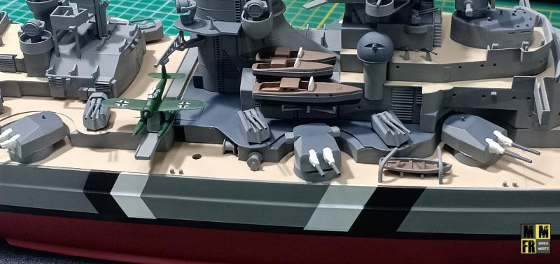 Bismarck 1/350 Tamiya  - Page 8 3Qq4j
