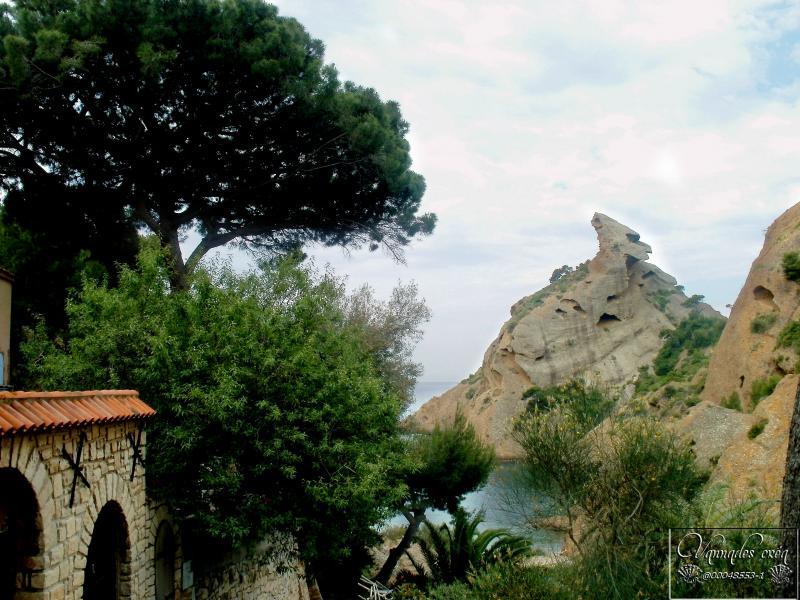 Calanque de Figuerolles (Un petit coin de Paradis)  4wlRZ