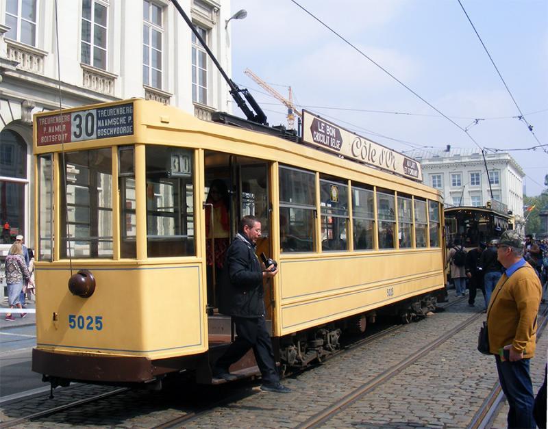 150 ans de tram à Bruxelles - Page 2 8on5o