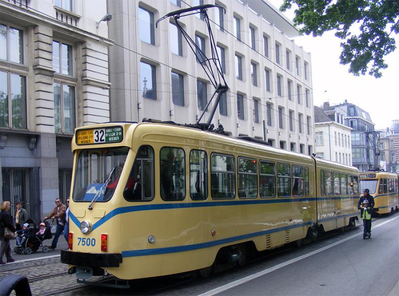 150 ans de tram à Bruxelles - Page 2 Aq0dA