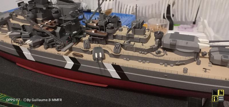 Bismarck 1/350 Tamiya  - Page 9 EeLRX