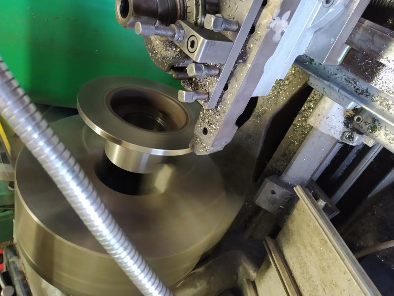 Installation d'un frein sur un tour qui n'en est pas equipé EgD4j