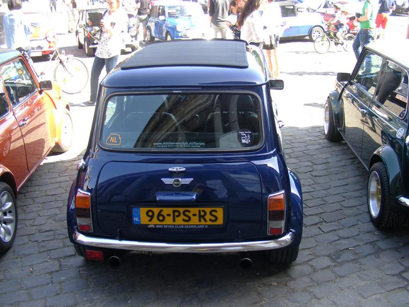 Autoworld - MINI Parade 22 avril 2019 EvwAk