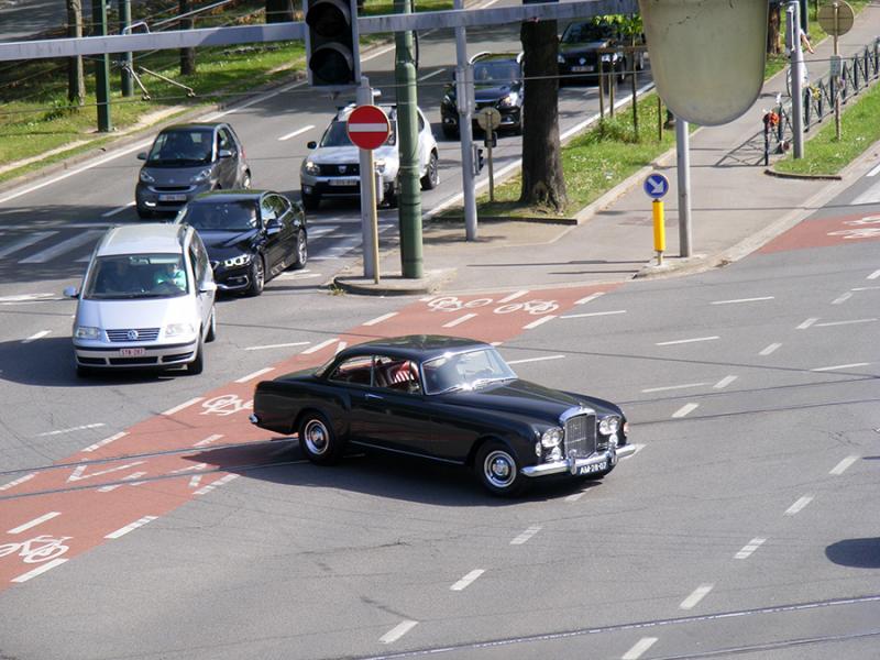 Autoworld - Bentley : 100 ans dans le mouvement ! - Page 3 GxV0k