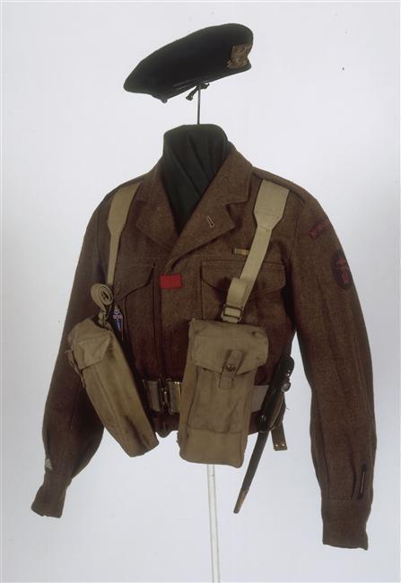 Parachutistes / commando / Jedburghs / BCRA / S.O.E. / O.S.S. / S.A.S K84lD