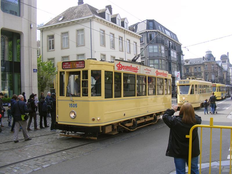 150 ans de tram à Bruxelles - Page 2 KxDgK
