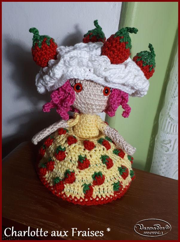 Voici ma Charlotte aux fraises reversible *** KxmkD