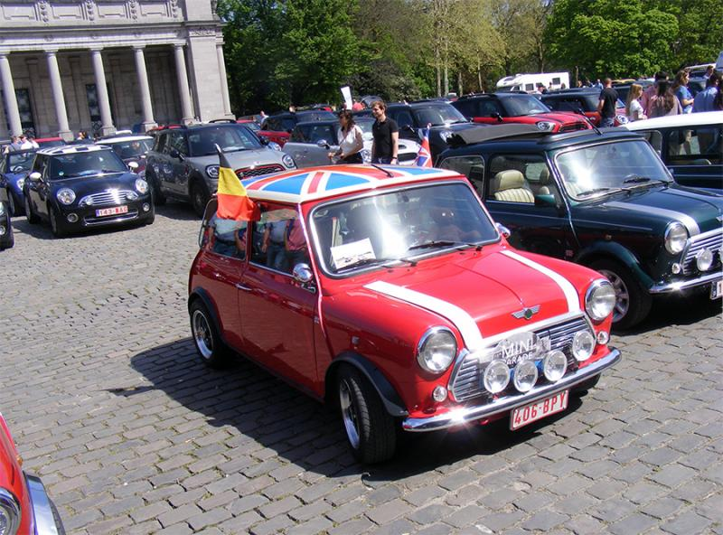 Autoworld - MINI Parade 22 avril 2019 - Page 4 KxvX1