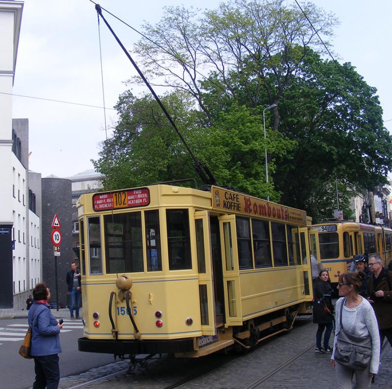 150 ans de tram à Bruxelles - Page 2 Ly0YO