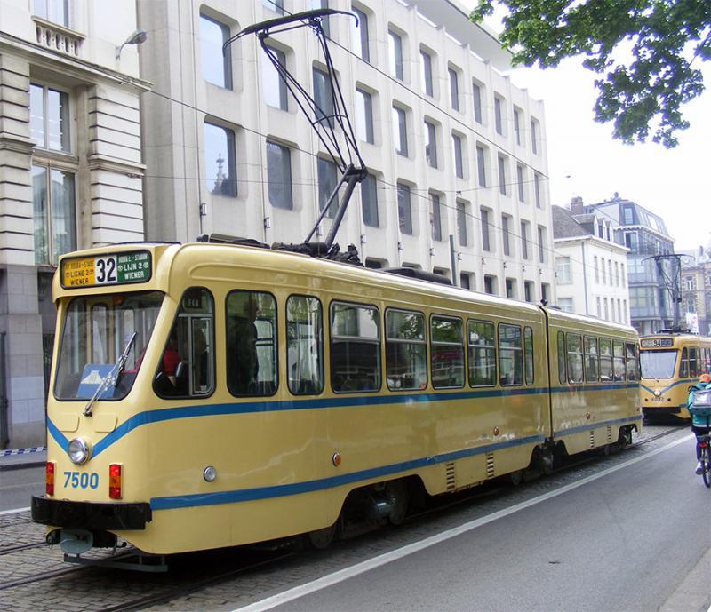 150 ans de tram à Bruxelles - Page 2 LykpW
