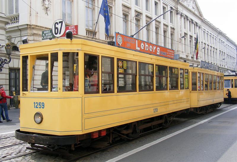 150 ans de tram à Bruxelles - Page 2 NxanY