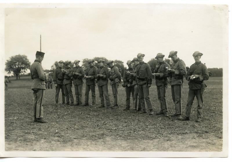 Tricorne d'infanterie modèle 1910 1er Régiment de la Garde Suèdoise  O7oyr