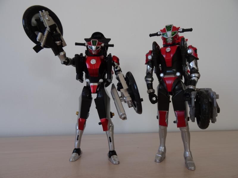 Comparatif Cheeda Nick (Go-Busters) : Bandai Vs Hasbro OQLYx