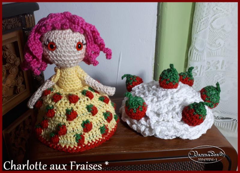 Voici ma Charlotte aux fraises reversible *** Ql2G9