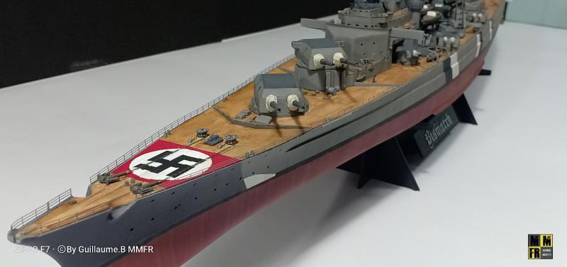 Tamiya Bismarck 1/350 par Guillaune.B ( montagemaquettefr) Qwg0V
