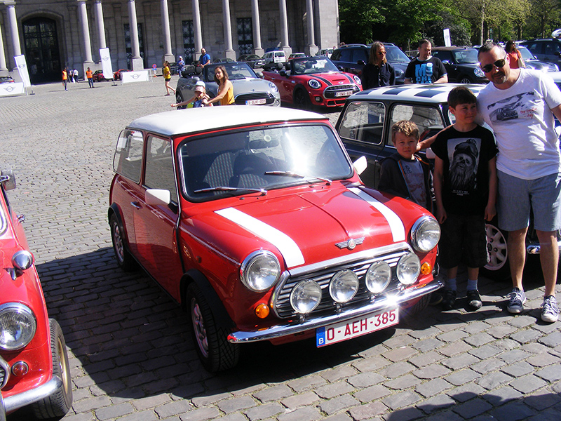 Autoworld - MINI Parade 22 avril 2019 RgKoV