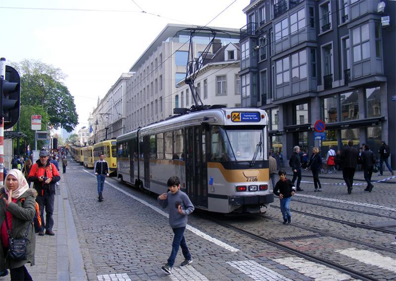 150 ans de tram à Bruxelles - Page 2 VKQgd