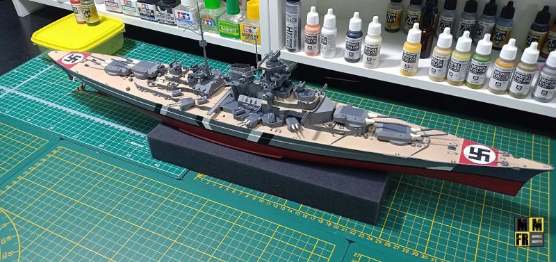 Bismarck 1/350 Tamiya  - Page 8 XLmEb