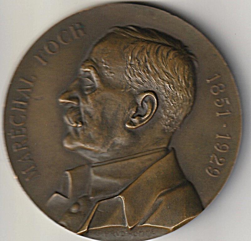 Medaillon du marechal Foch YOLJZ