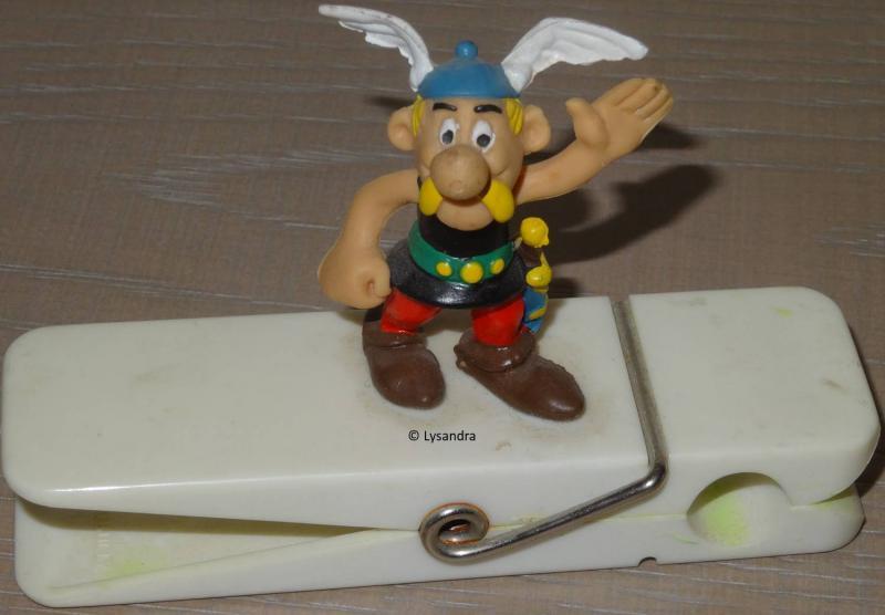 Les figurines sur pince ZqaY1