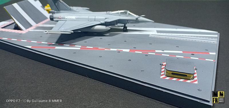 Rafale M 1/144 Heller avec pont d'envol AD94E