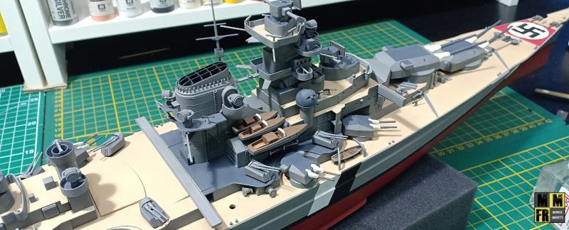 Bismarck 1/350 Tamiya  - Page 8 AK5xZ