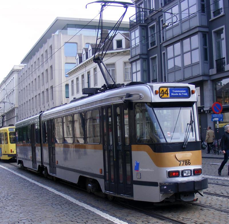 150 ans de tram à Bruxelles - Page 2 AnQNp