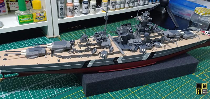 Bismarck 1/350 Tamiya  - Page 8 ENGEK