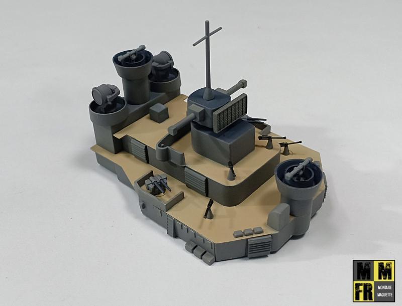 Bismarck 1/350 Tamiya  - Page 7 EyNkP