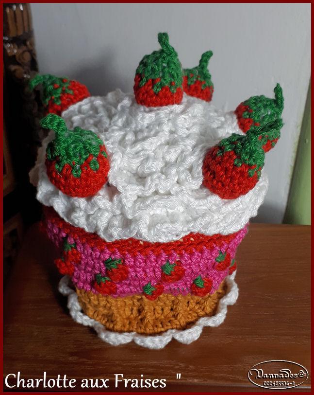 Voici ma Charlotte aux fraises reversible *** J5awk