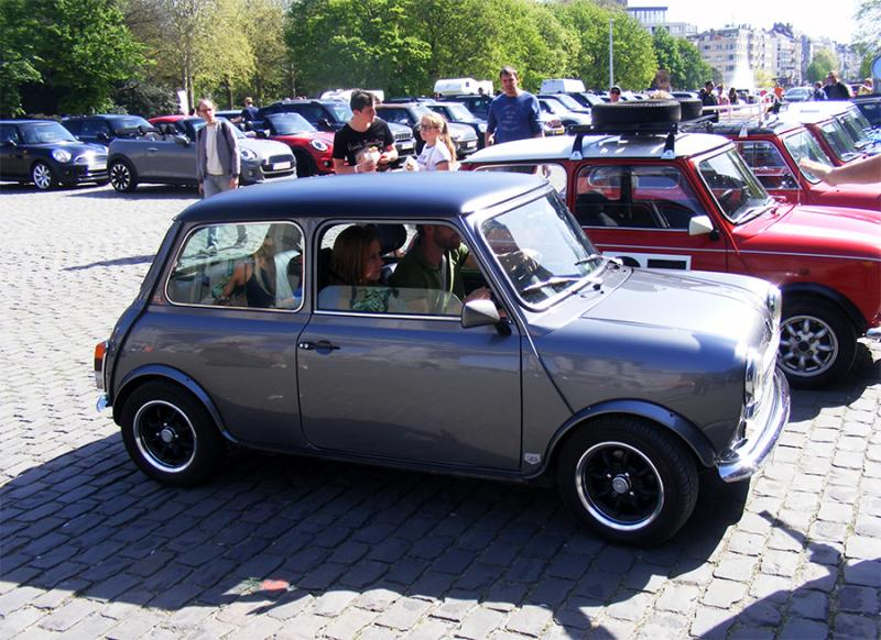 Autoworld - MINI Parade 22 avril 2019 Oge2n
