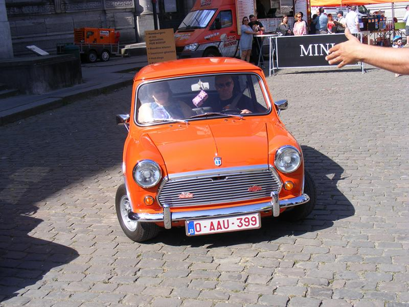Autoworld - MINI Parade 22 avril 2019 PXwmv