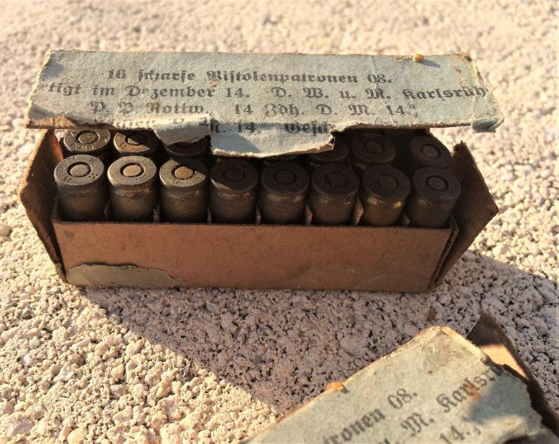 2 boîtes (abîmées) de cartouches pour P08 de 1917 Pa59k