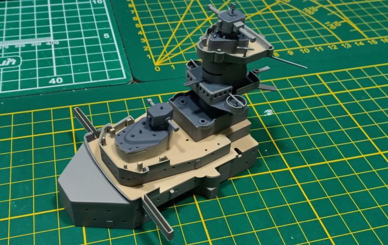 Bismarck 1/350 Tamiya  - Page 5 QlQW8