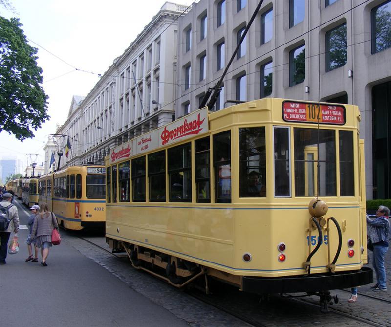 150 ans de tram à Bruxelles - Page 2 RYjxd