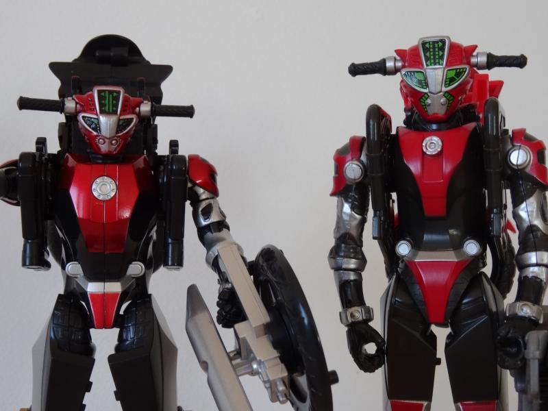 Comparatif Cheeda Nick (Go-Busters) : Bandai Vs Hasbro XnRpo
