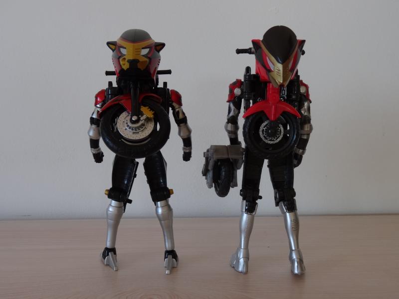 Comparatif Cheeda Nick (Go-Busters) : Bandai Vs Hasbro Y97Rg