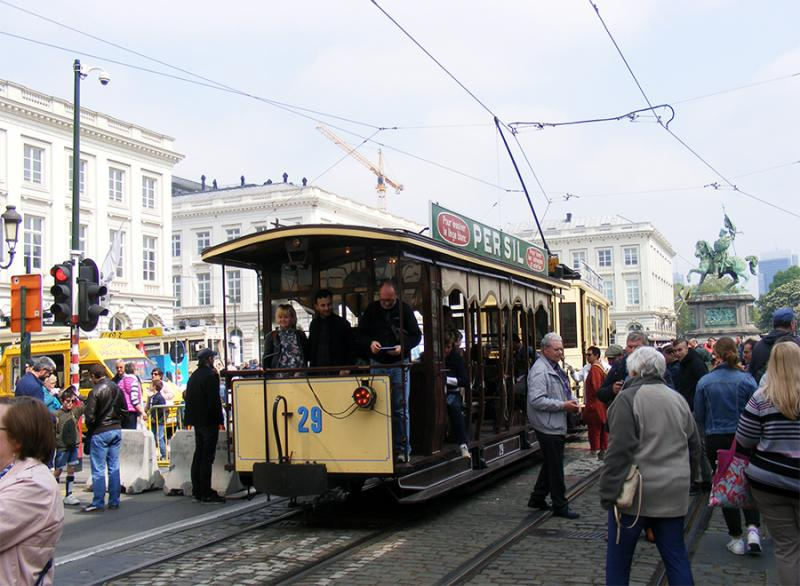 150 ans de tram à Bruxelles - Page 2 YnL59