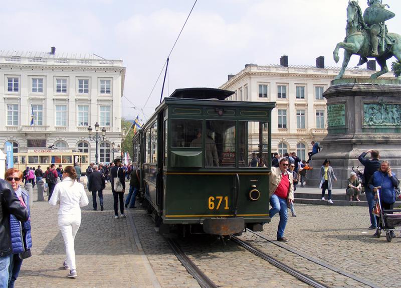 150 ans de tram à Bruxelles - Page 2 YnLVP